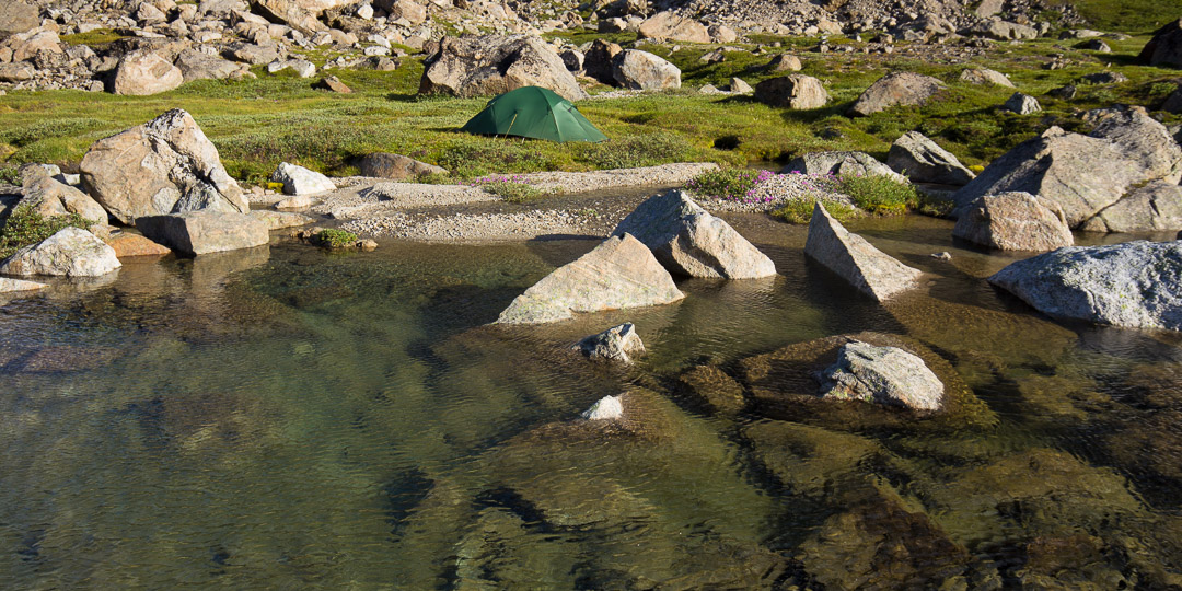 Camping at the head of the pass with abundant drinking water.