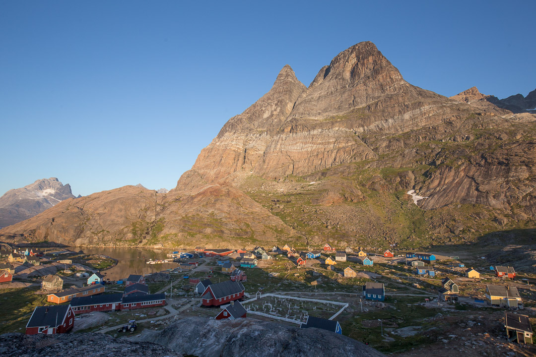 Sun rise on the twin peaks above Aappillatoq.
