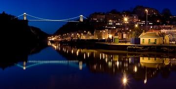 Nightime photo of Clifton Suspension Bridge